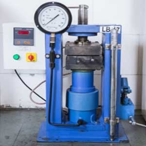 Hydraulic-Press-for-Rubber-Sampling
